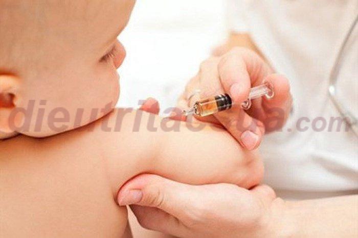 Tiêm vacxin cho trẻ sơ sinh là điều vô cùng quan trọng