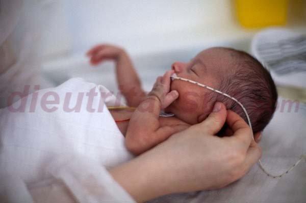 Trẻ sinh non vẫn cần được tiêm vacxin phòng bệnh